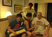 Pete veio para o fim de semana. E assim completou-se o trio chinês.